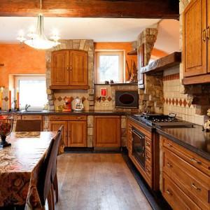 Maison_Fiche-Villas-de-luxe-104772-03-Spa-(Jalhay)-cuisine-534285[1]