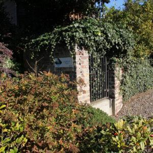 19 Fontaine du bas de Surister